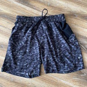 Lululemon Repetition Shorts Mini Urban Leopard